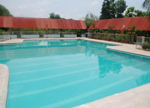 baseline resort  hotel 2 20140604 1750448335